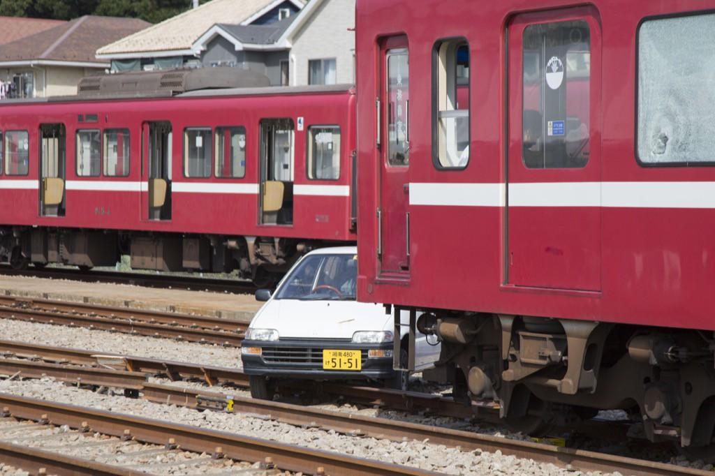 事故発生 「あんしんを羽ばたく力に」鉄道事故の避難誘導と応急復旧工事を見学 京急電鉄 | しゃか