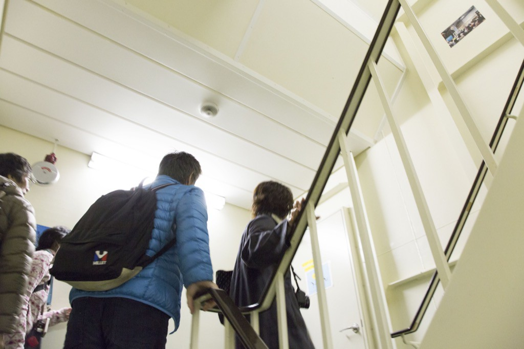 階段を上っていくよ