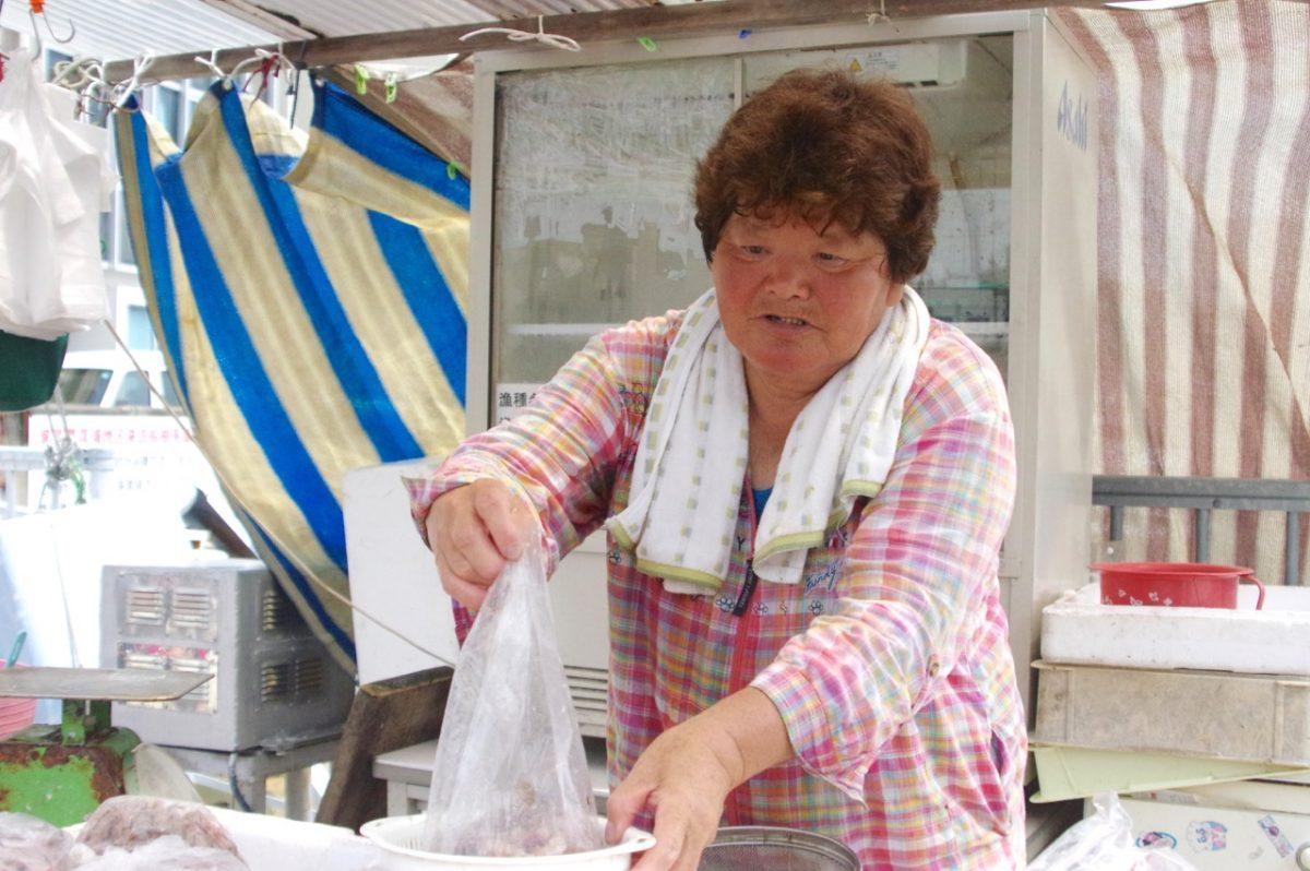 魚屋のお母さん