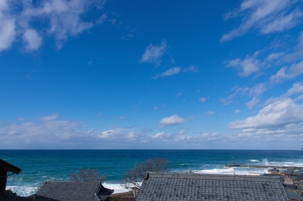 晴れた日本海