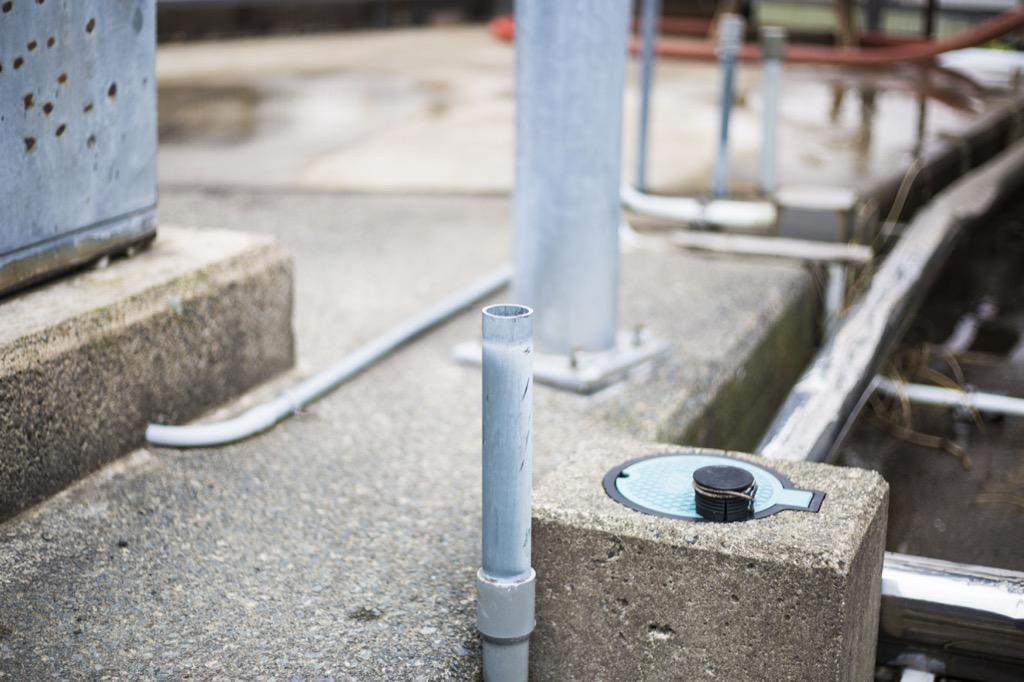 温泉スタンドの管